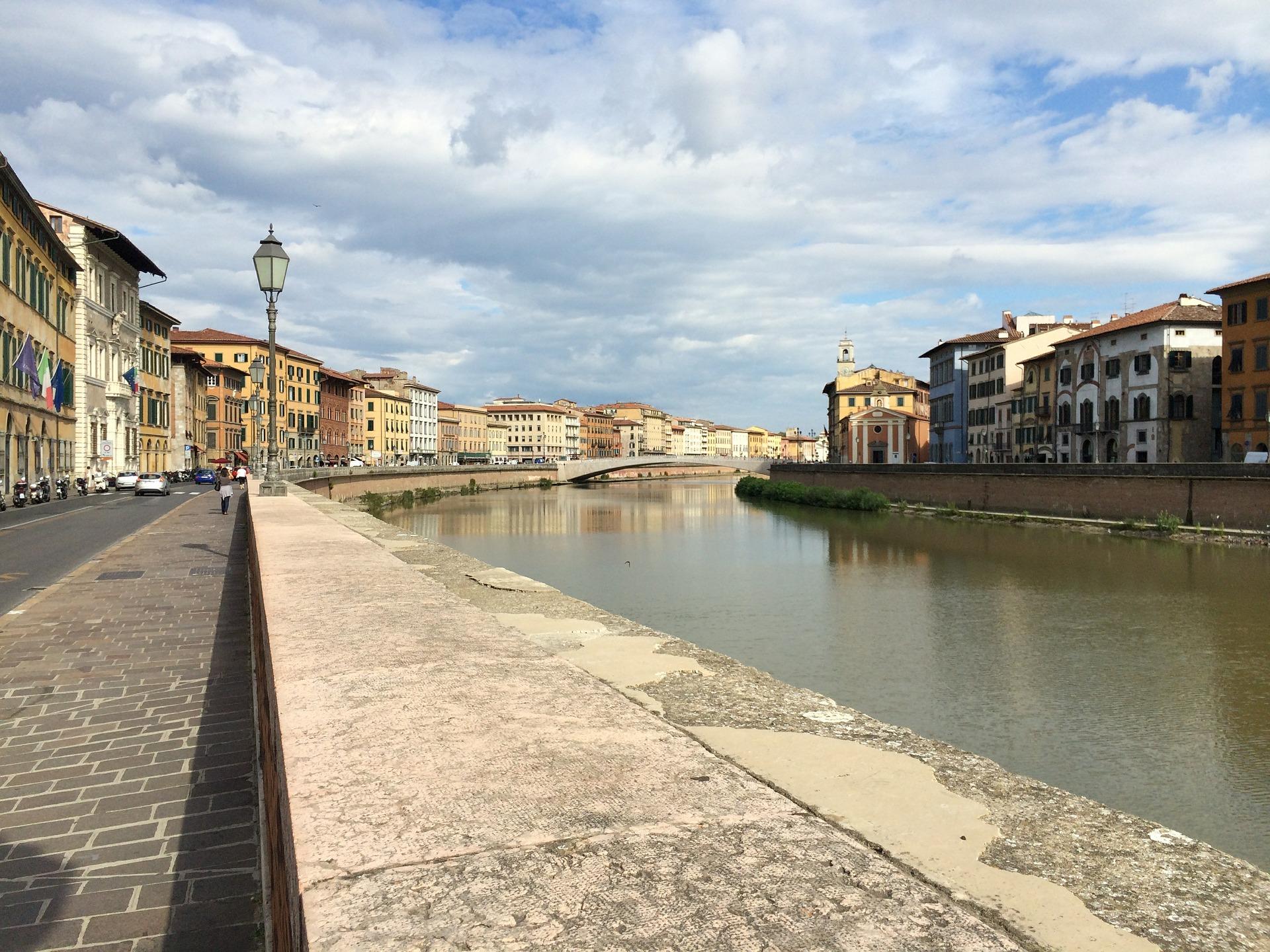 Pisa Arno_promenade Versilia Gay